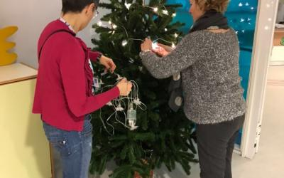Feste Creating Christmas tree